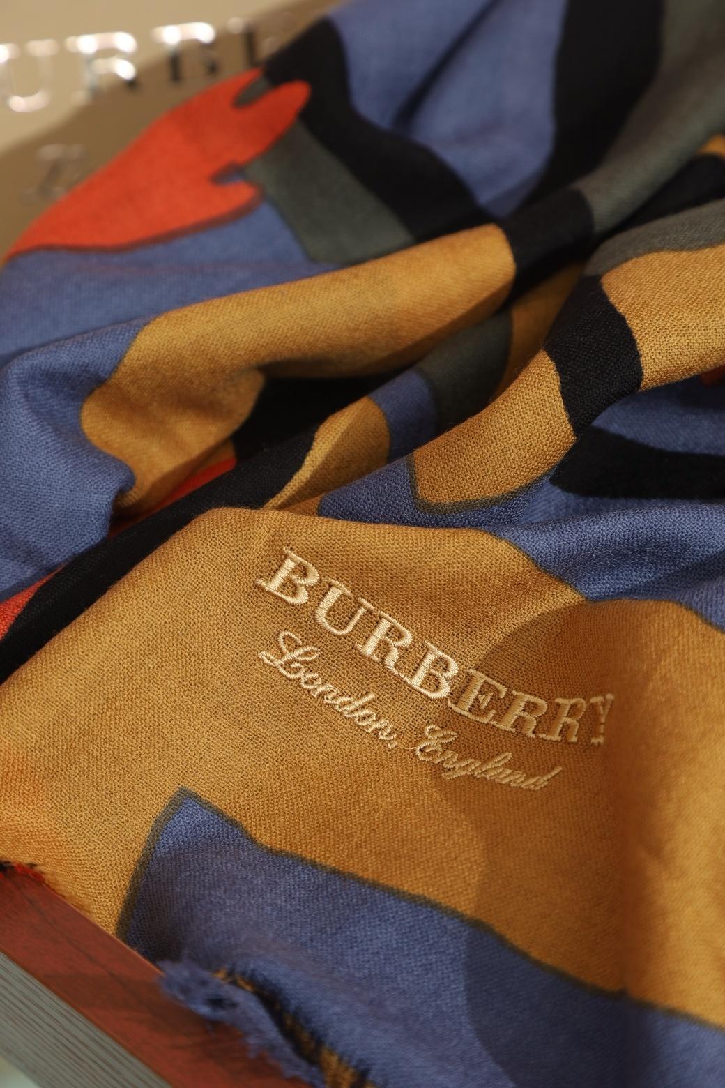 Burberry英式优雅的典范之选巴