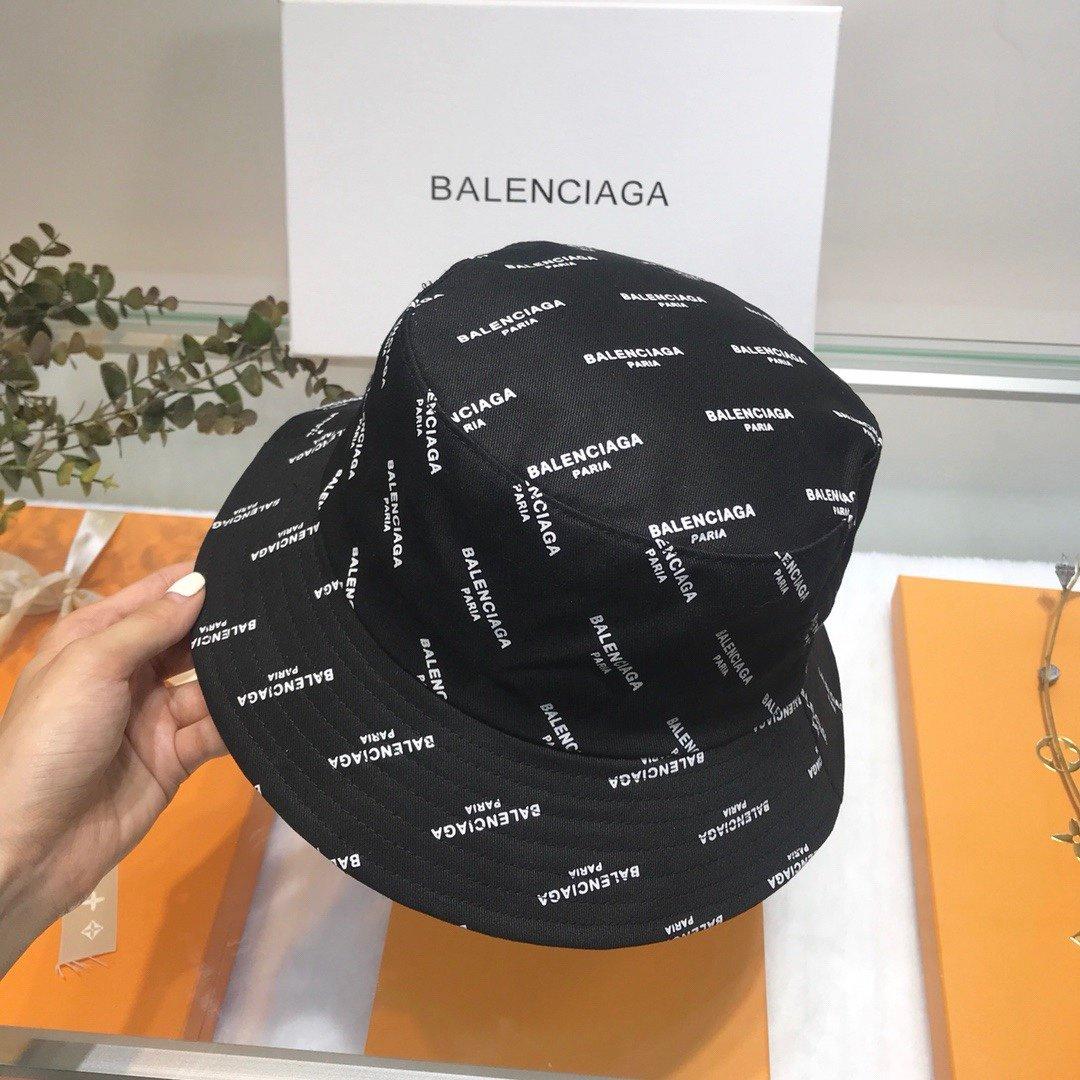 巴黎世家2019新款小香风渔夫帽盆帽