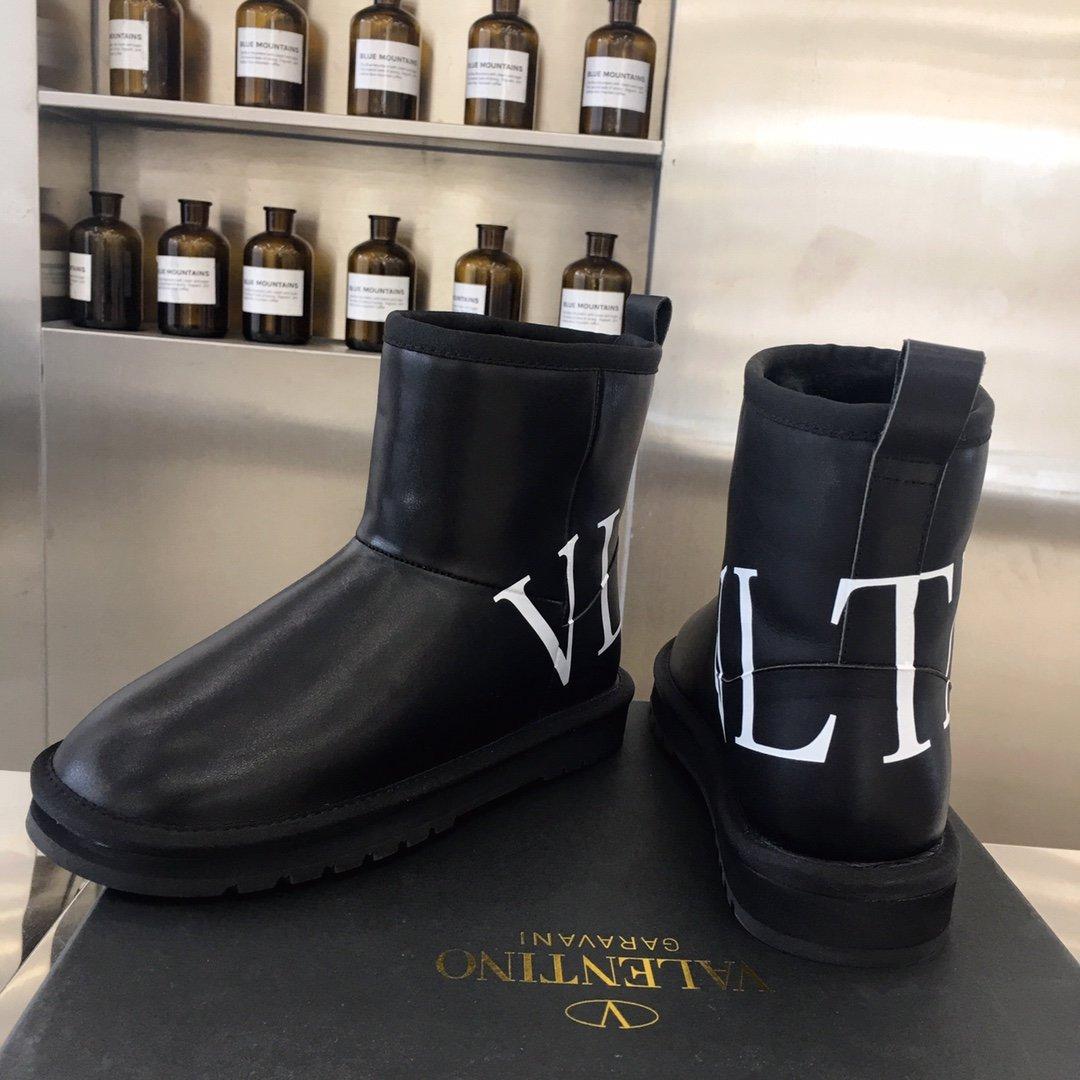 Valentino系列雪地靴在各种社