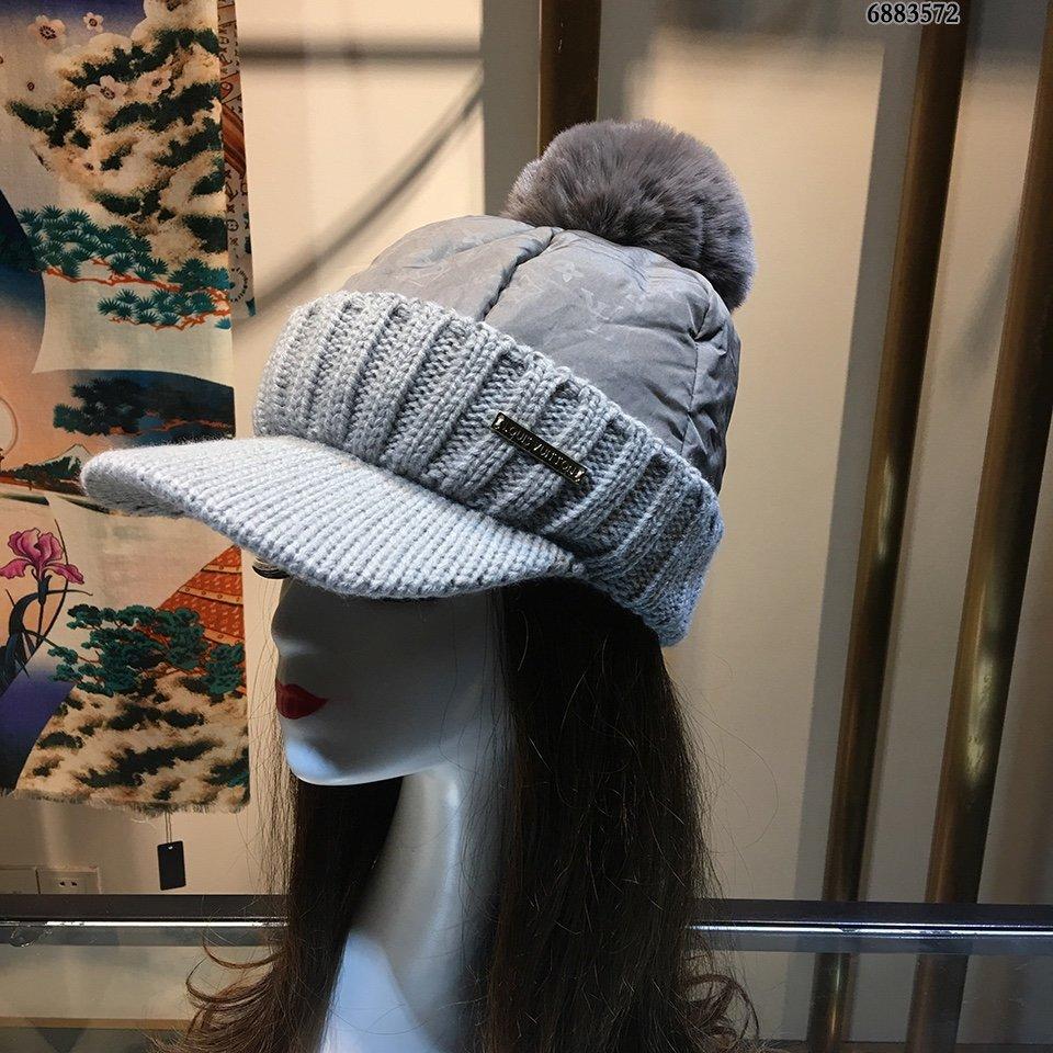 LV棒球帽骑士鸭舌帽可调节兔绒毛球跑