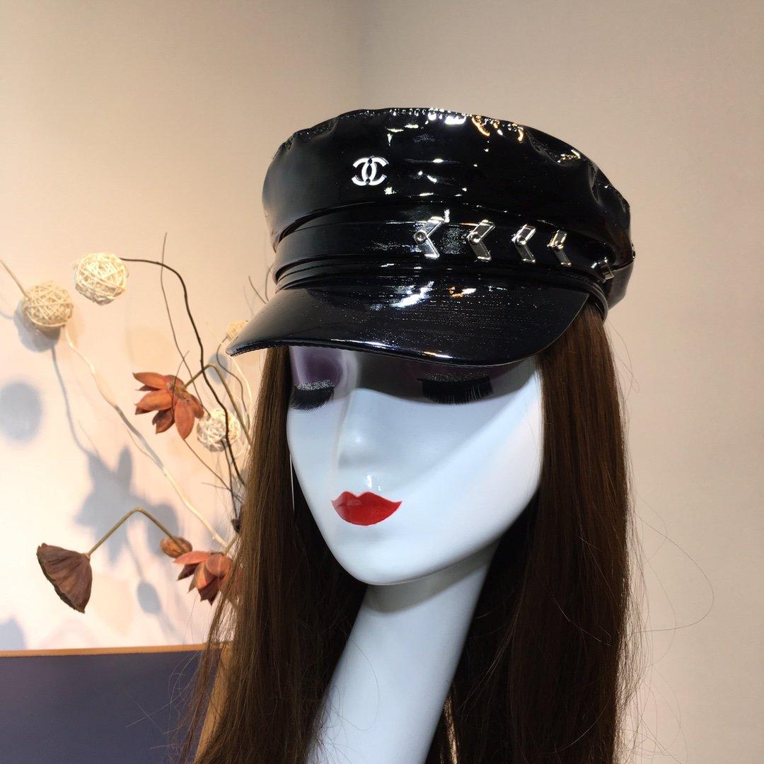 香奈儿CHANEL小香风军帽扣子设计