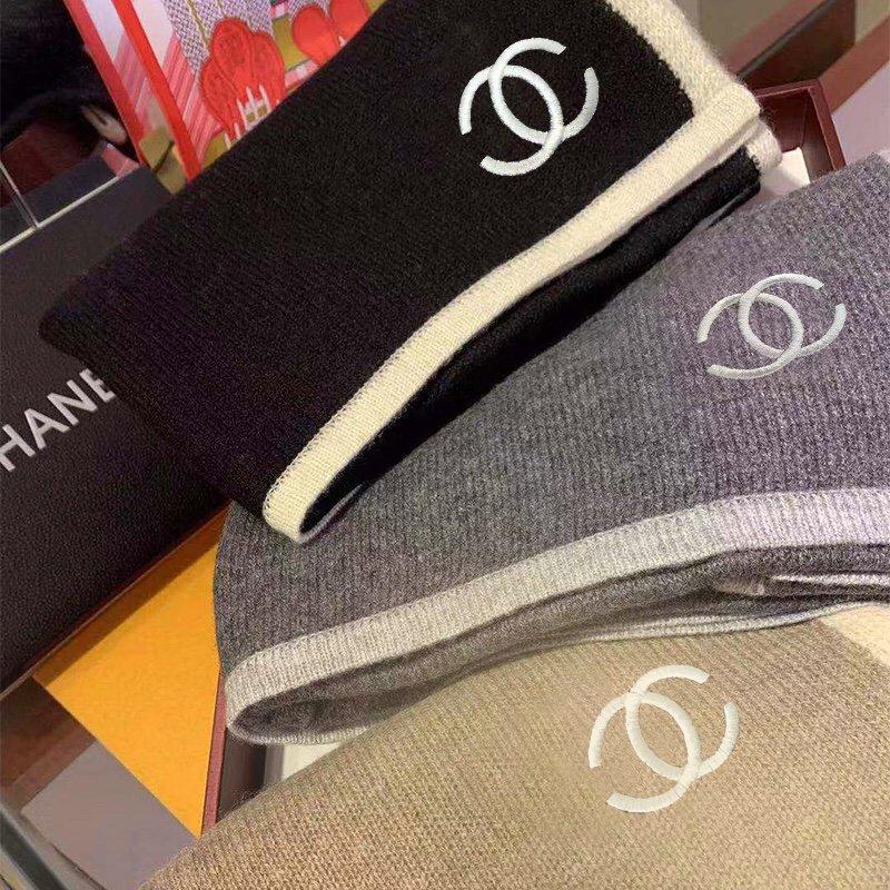 Chanel主打的羊绒围巾非常难得!