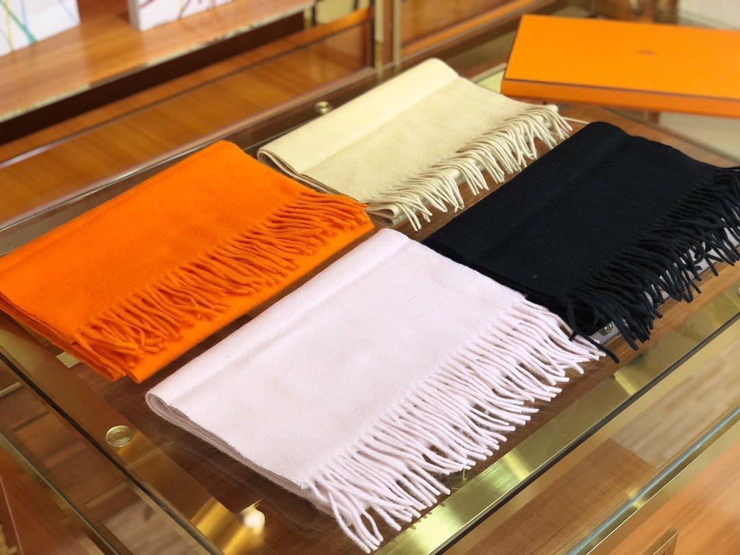 Hermes2019专柜最新款  顶级羊绒长巾(图1)