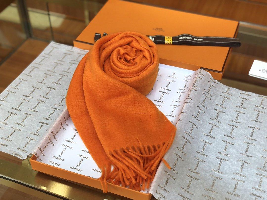 Hermes2019专柜最新款  顶级羊绒长巾(图4)
