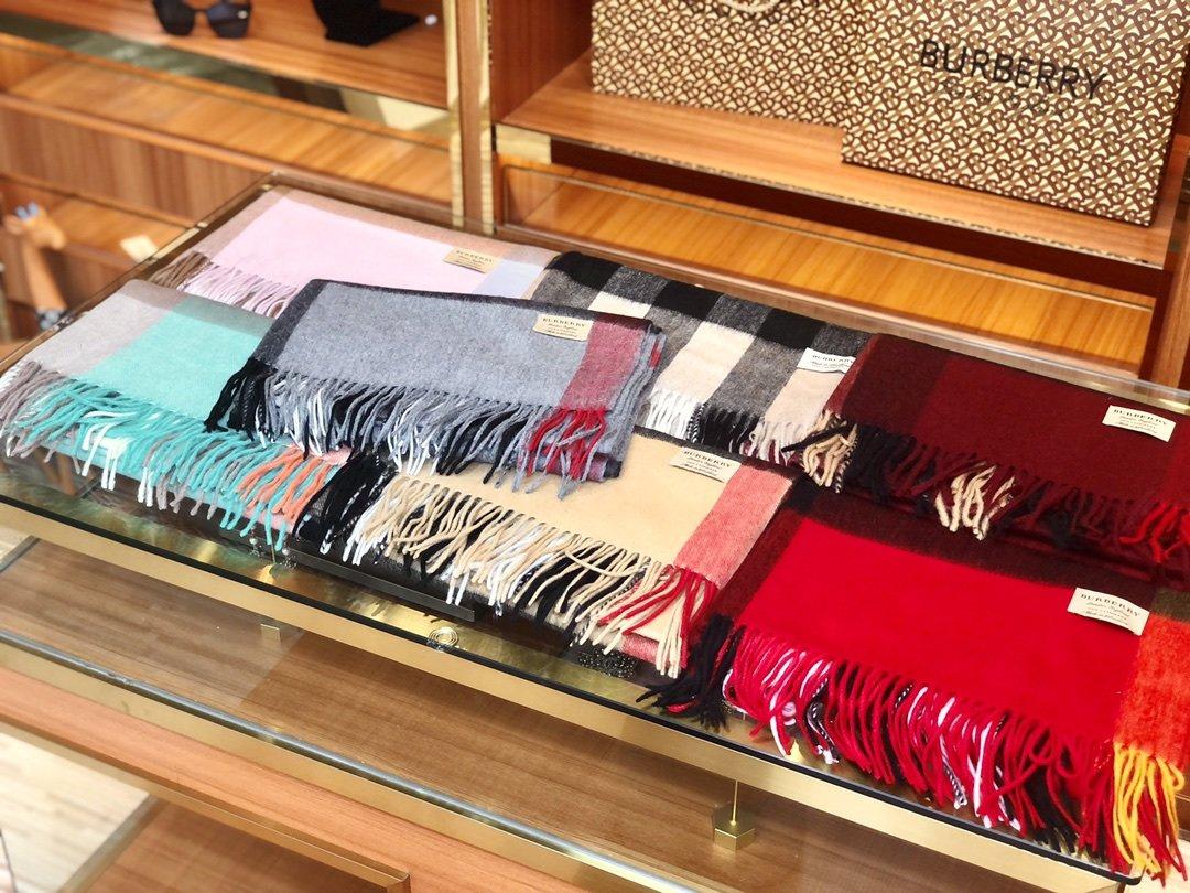 Burberry披肩围巾两用 专柜同款(图1)