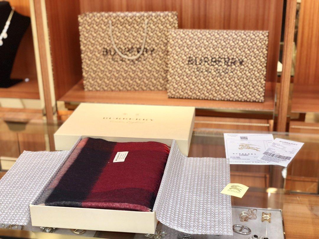 Burberry披肩围巾两用 专柜同款(图2)