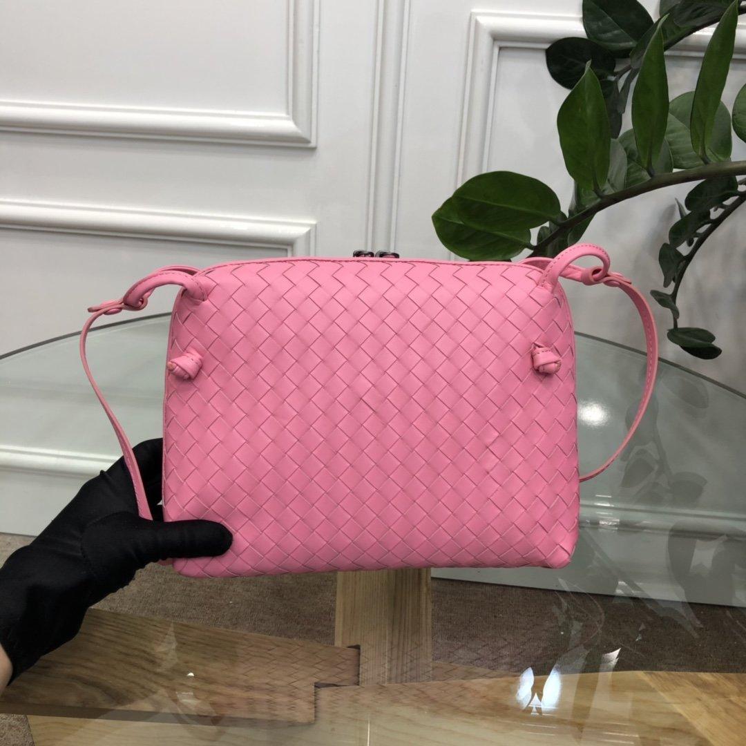 Bottega Veneta宝提嘉 19新款编织胎皮邮差包拉链绳结单肩斜挎包(图4)