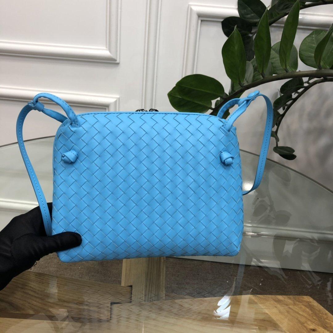 Bottega Veneta宝提嘉 19新款编织胎皮邮差包拉链绳结单肩斜挎包(图3)