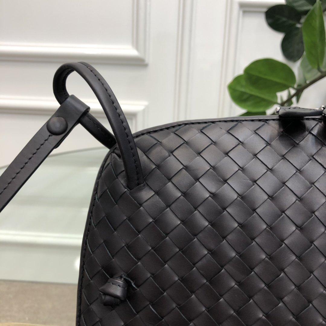 Bottega Veneta宝提嘉 19新款编织胎皮邮差包拉链绳结单肩斜挎包(图8)