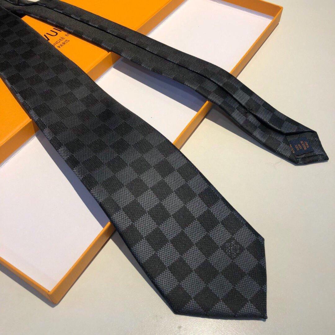 配包装LV专柜同步提花领带出货啦_路