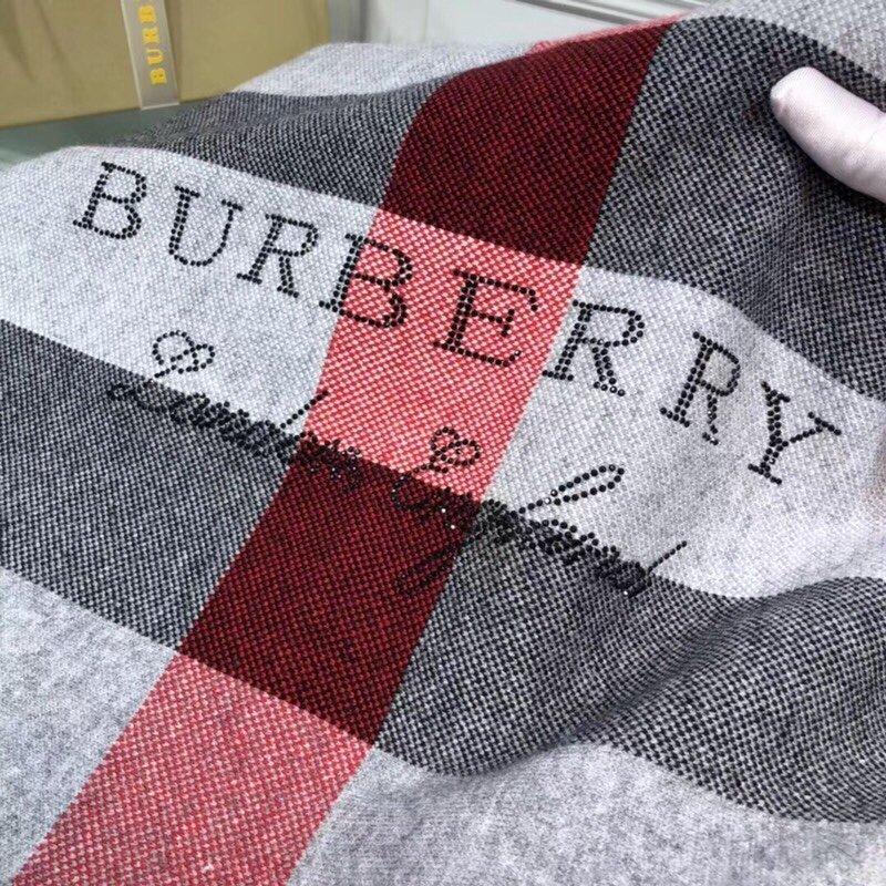 巴宝莉Burberr*100%羊绒披