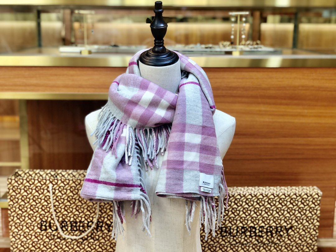 海外原单巴宝莉 100%山羊绒短款蜈蚣围巾  经典格纹围巾(图8)