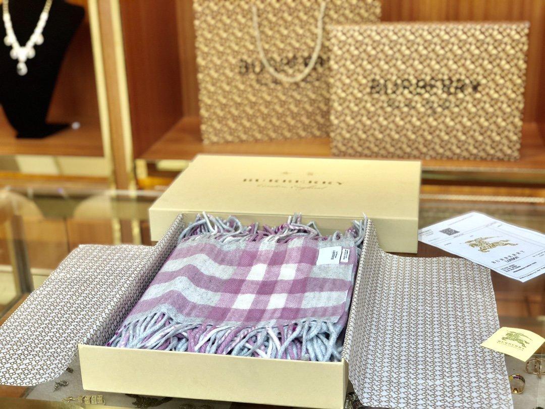 海外原单巴宝莉 100%山羊绒短款蜈蚣围巾  经典格纹围巾(图2)