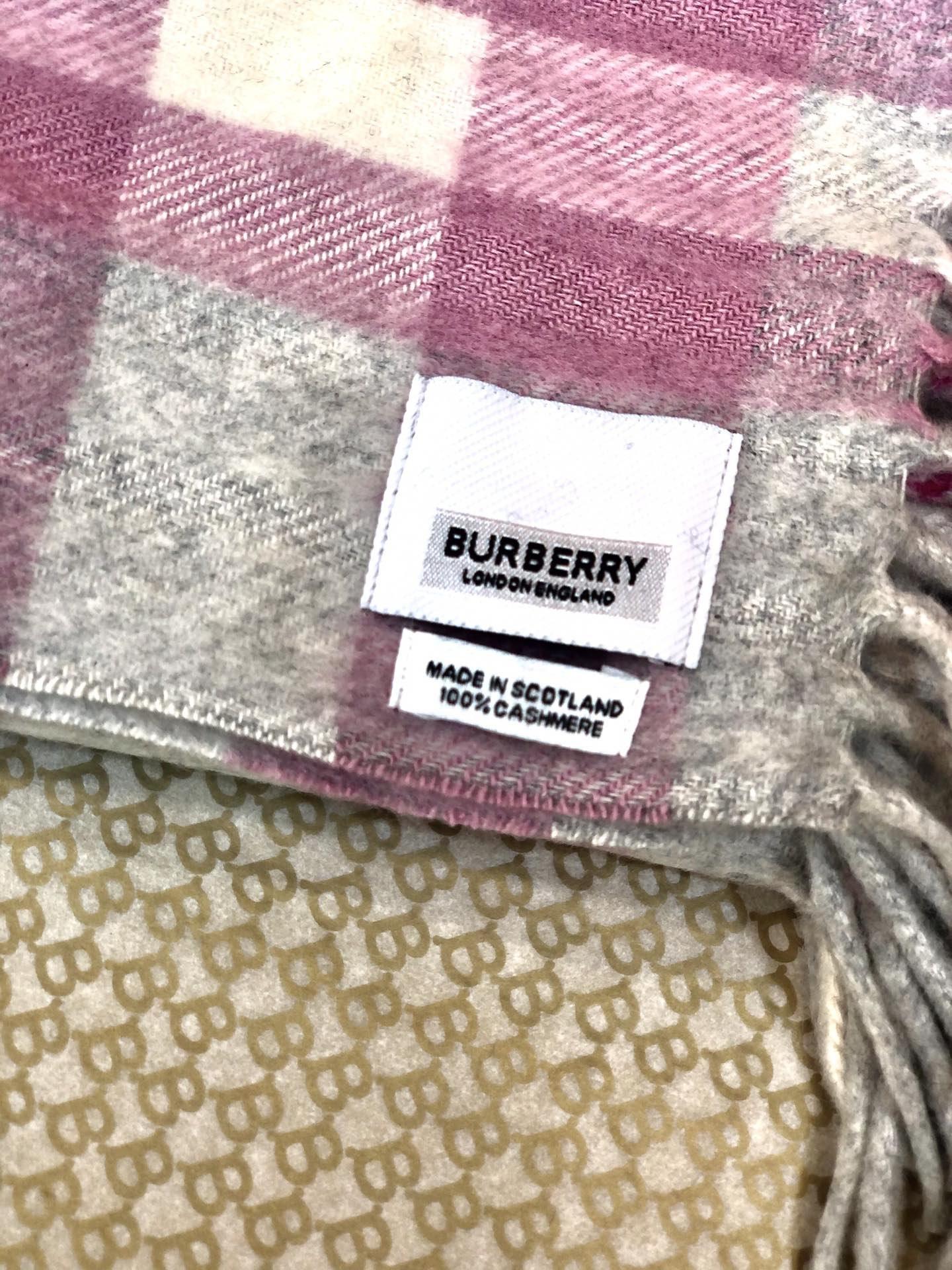 海外原单巴宝莉 100%山羊绒短款蜈蚣围巾  经典格纹围巾(图5)