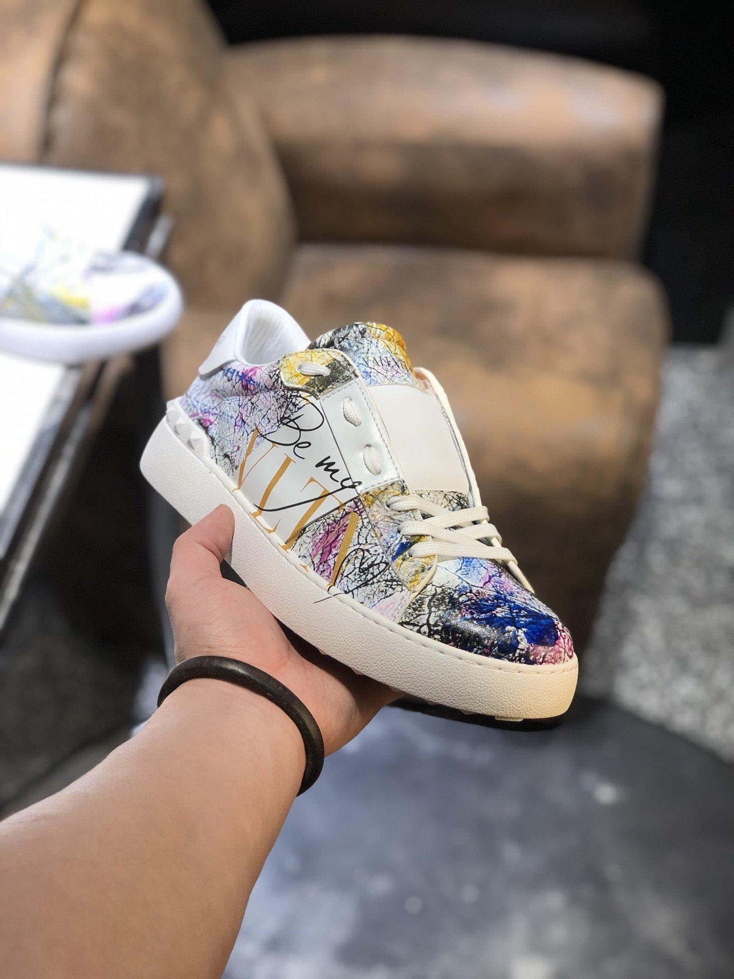 Valentino华伦天奴小白鞋原版