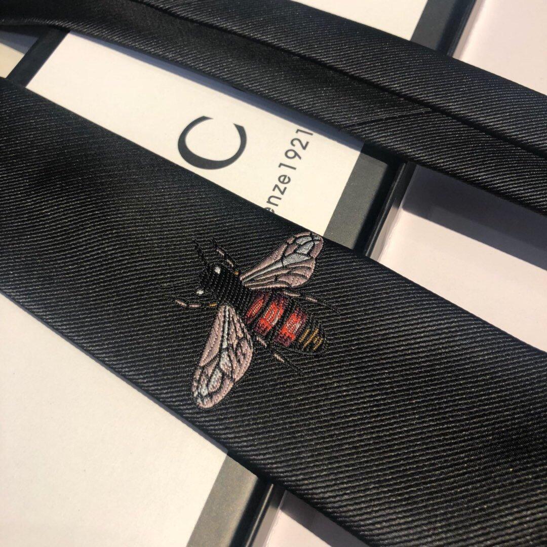 上新古奇家2019男士蜜蜂领带系列稀