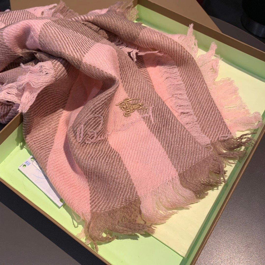 永不过时的万年款巴宝莉经典围巾品质手