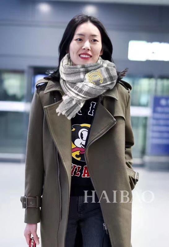 小香金色双C格纹围巾披肩时尚奢华品质