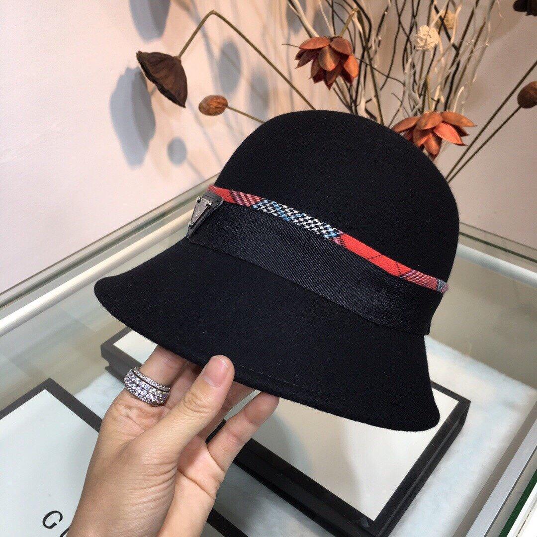 普拉达PRADA新款圆顶礼帽小巧精致