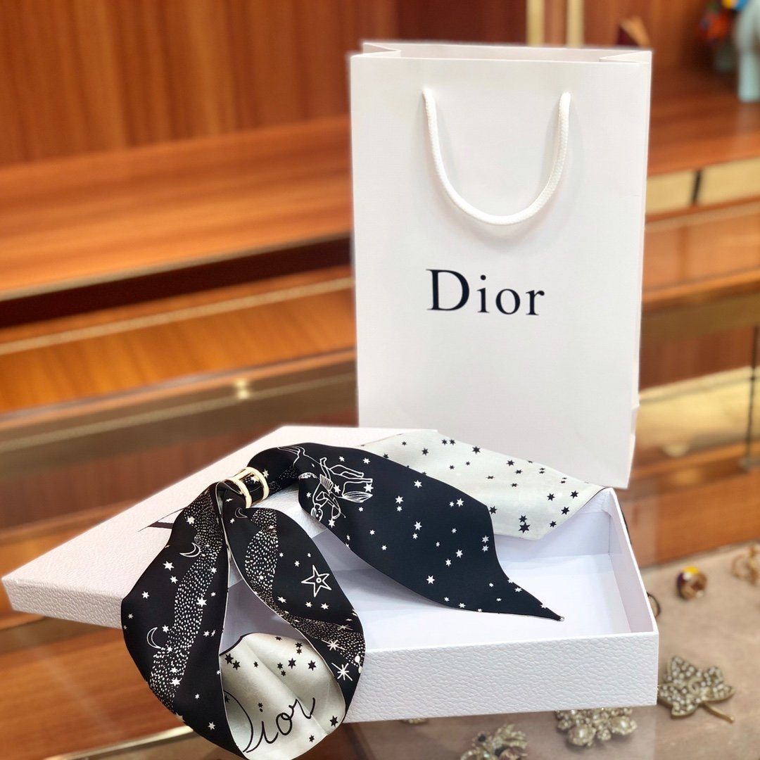 Dior迪奥 Twilly星座系列 小丝巾