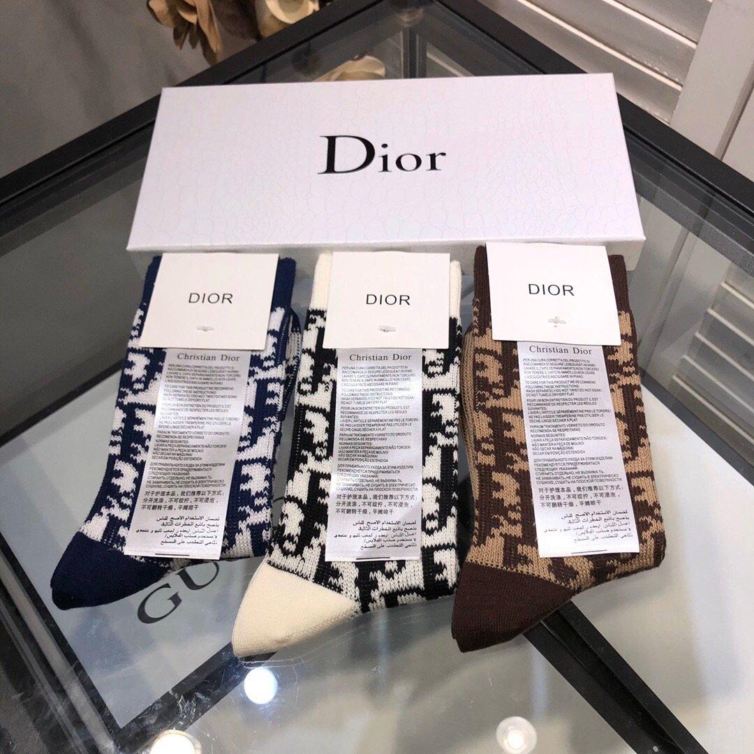迪奥一盒三双Dior19年最新D字母