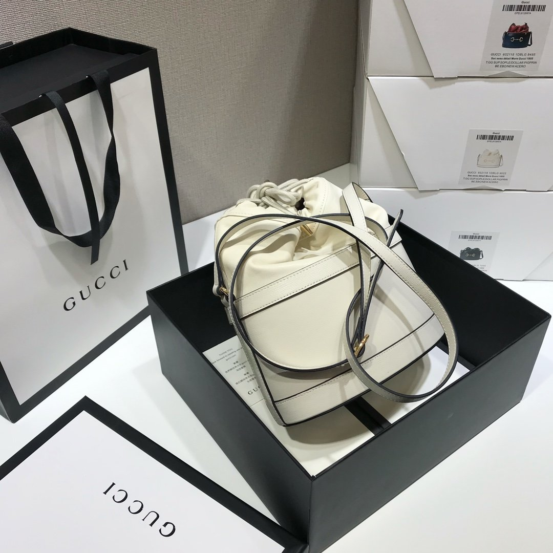 gucci包包内拉链,香港必买清单隐藏在尖沙咀中心的奢侈品折扣