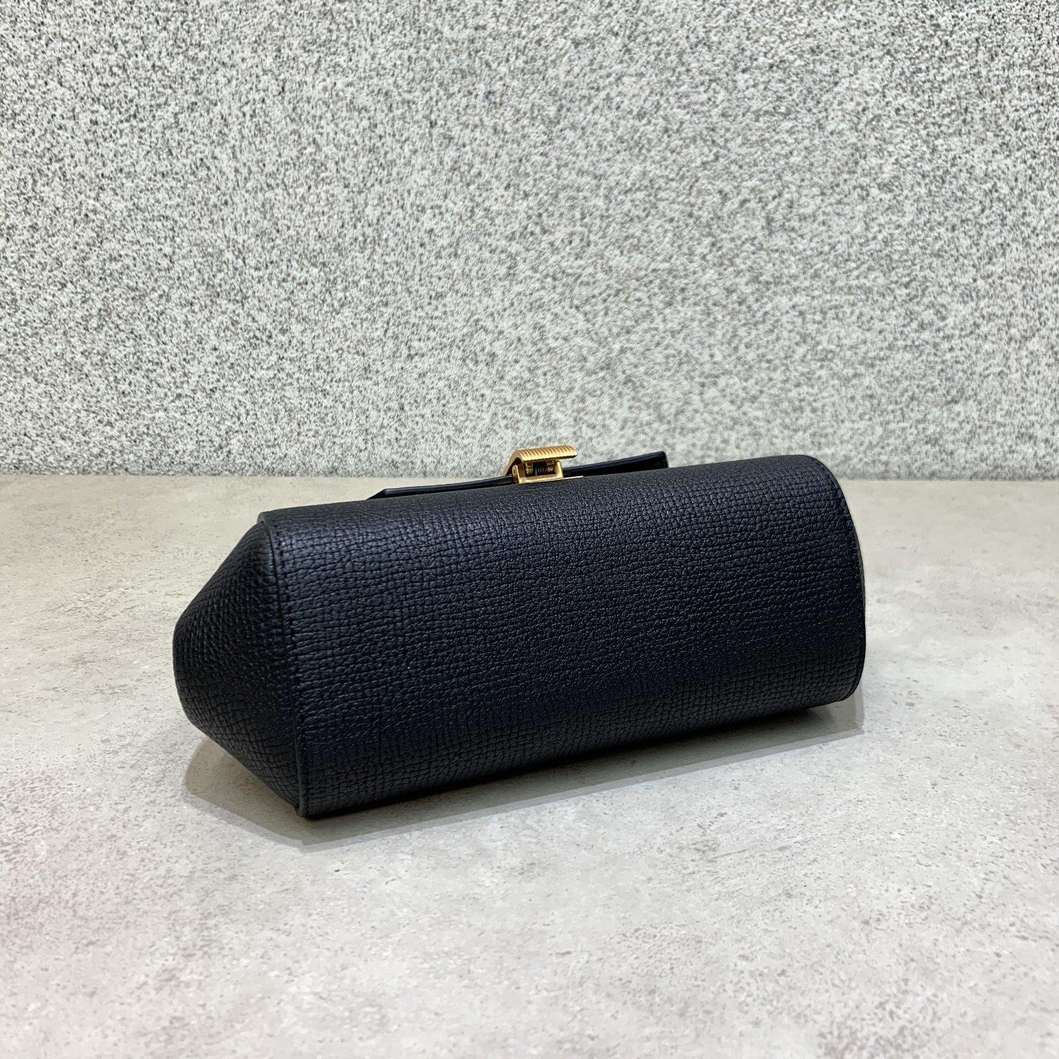 BV Angle bag 新款mini Bottega Venetaangle bag系列(图9)