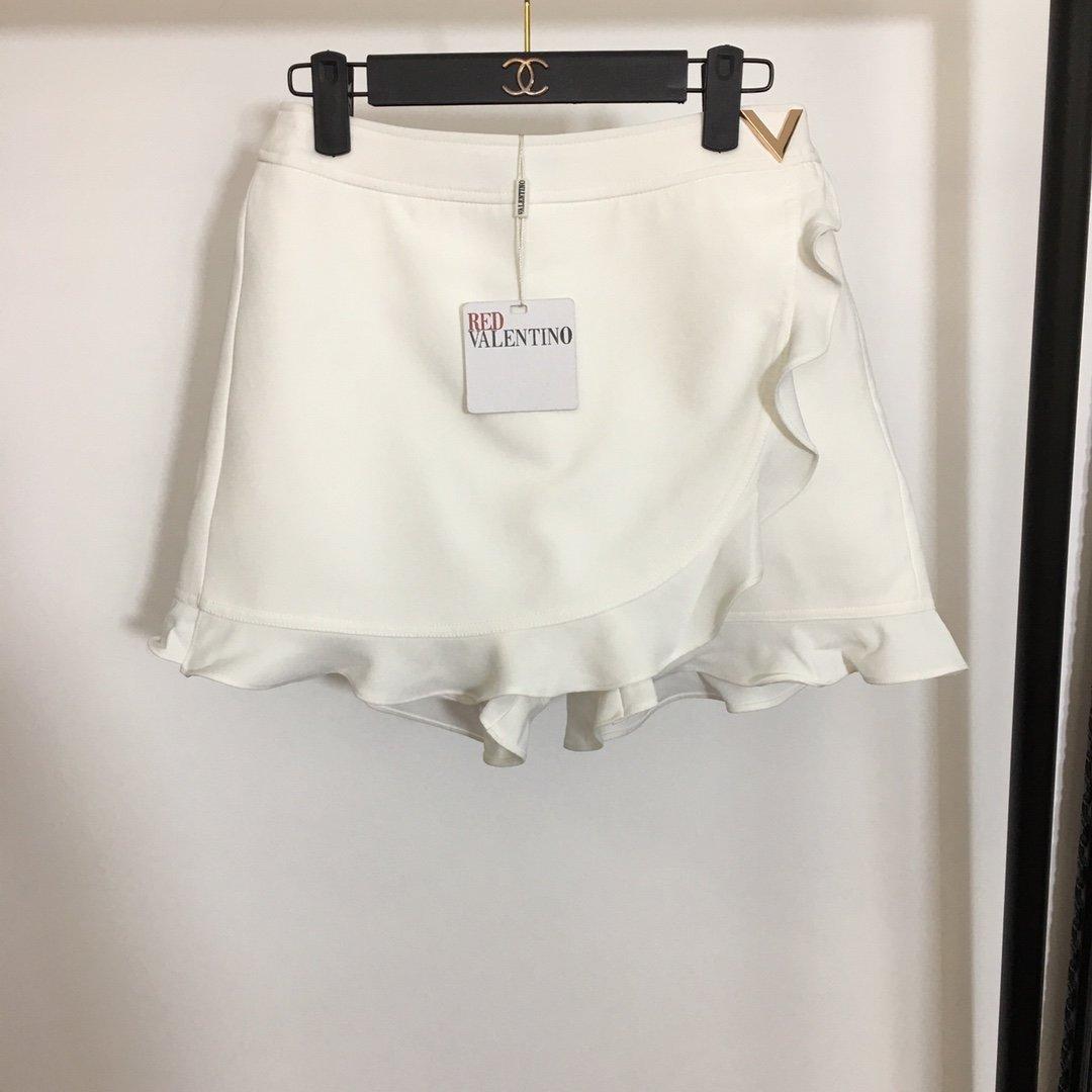 Valentino新款V字金属装饰荷