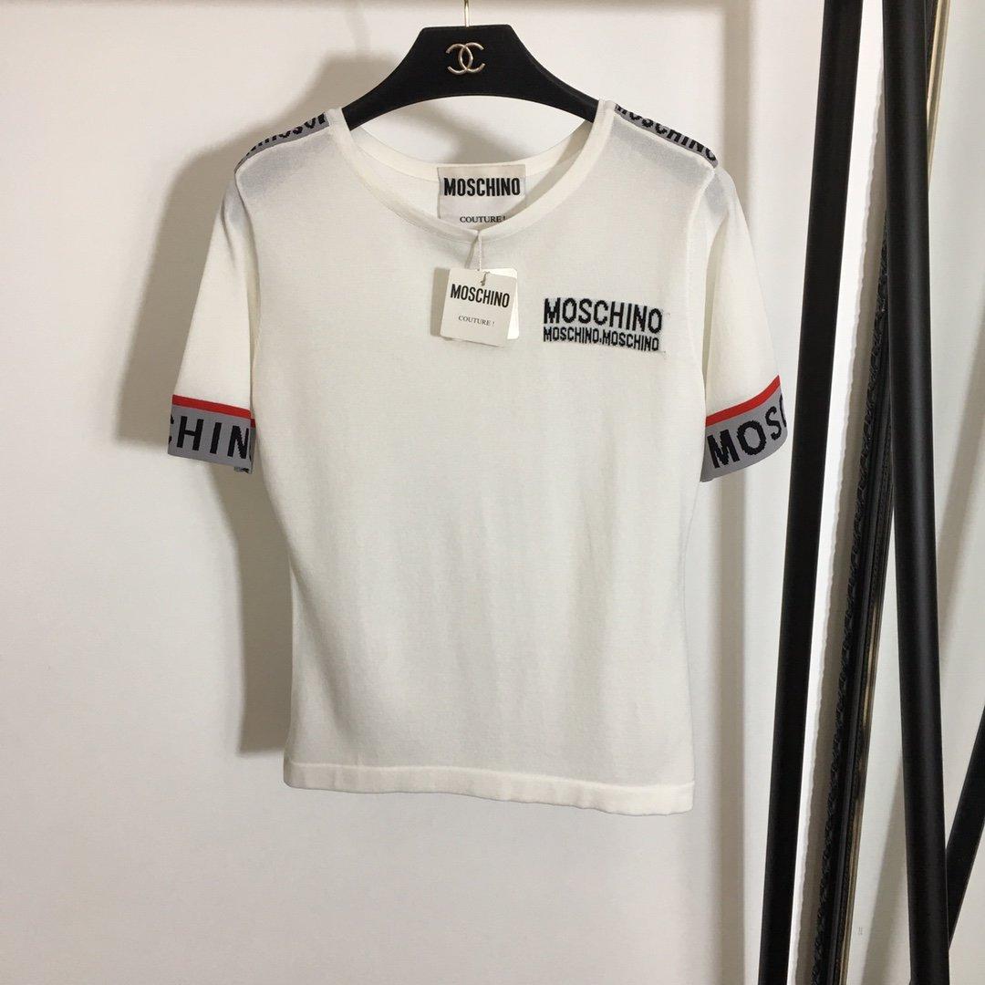 Moschino新款胸前字母logo