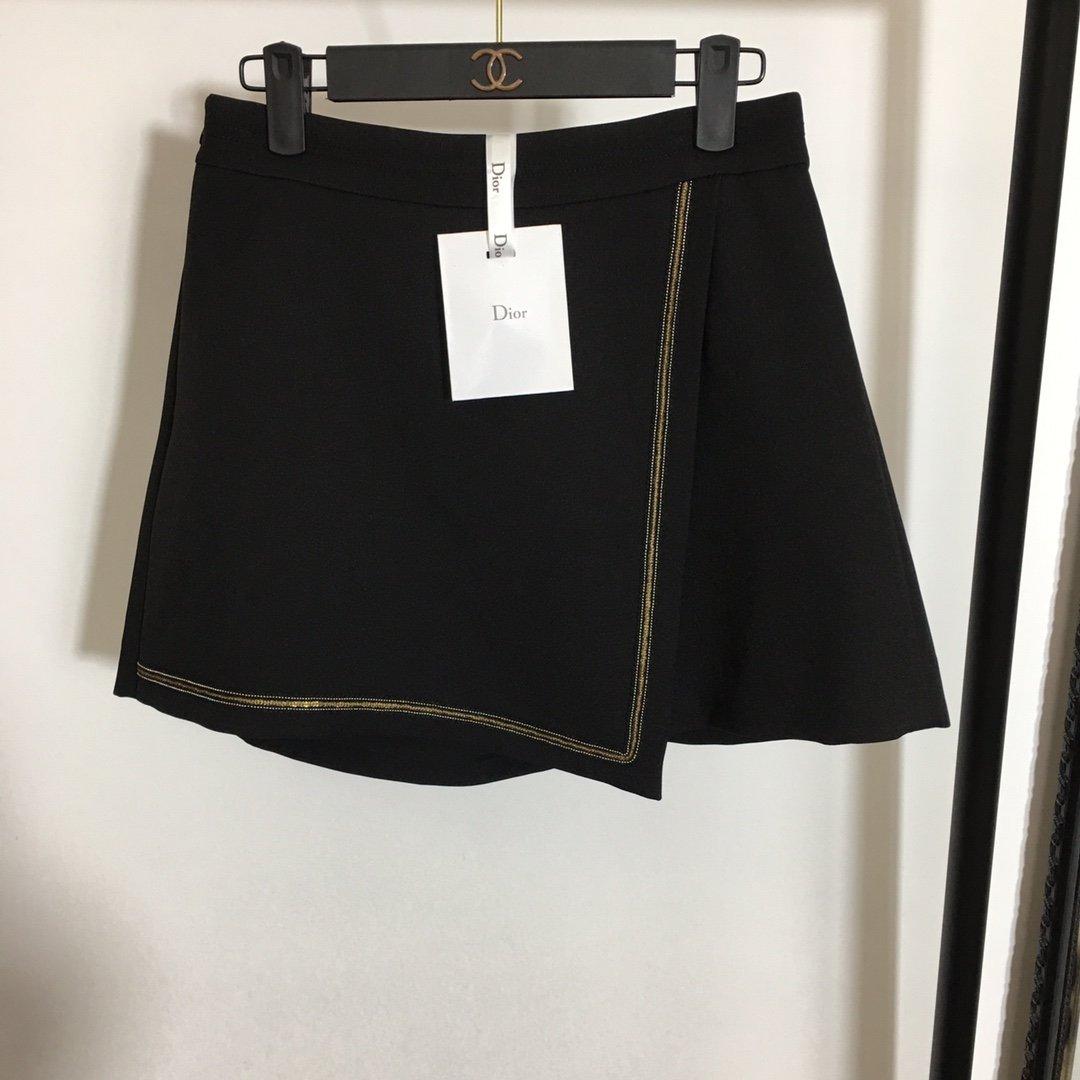 Dior新款钉珠边装饰高腰显瘦A字短