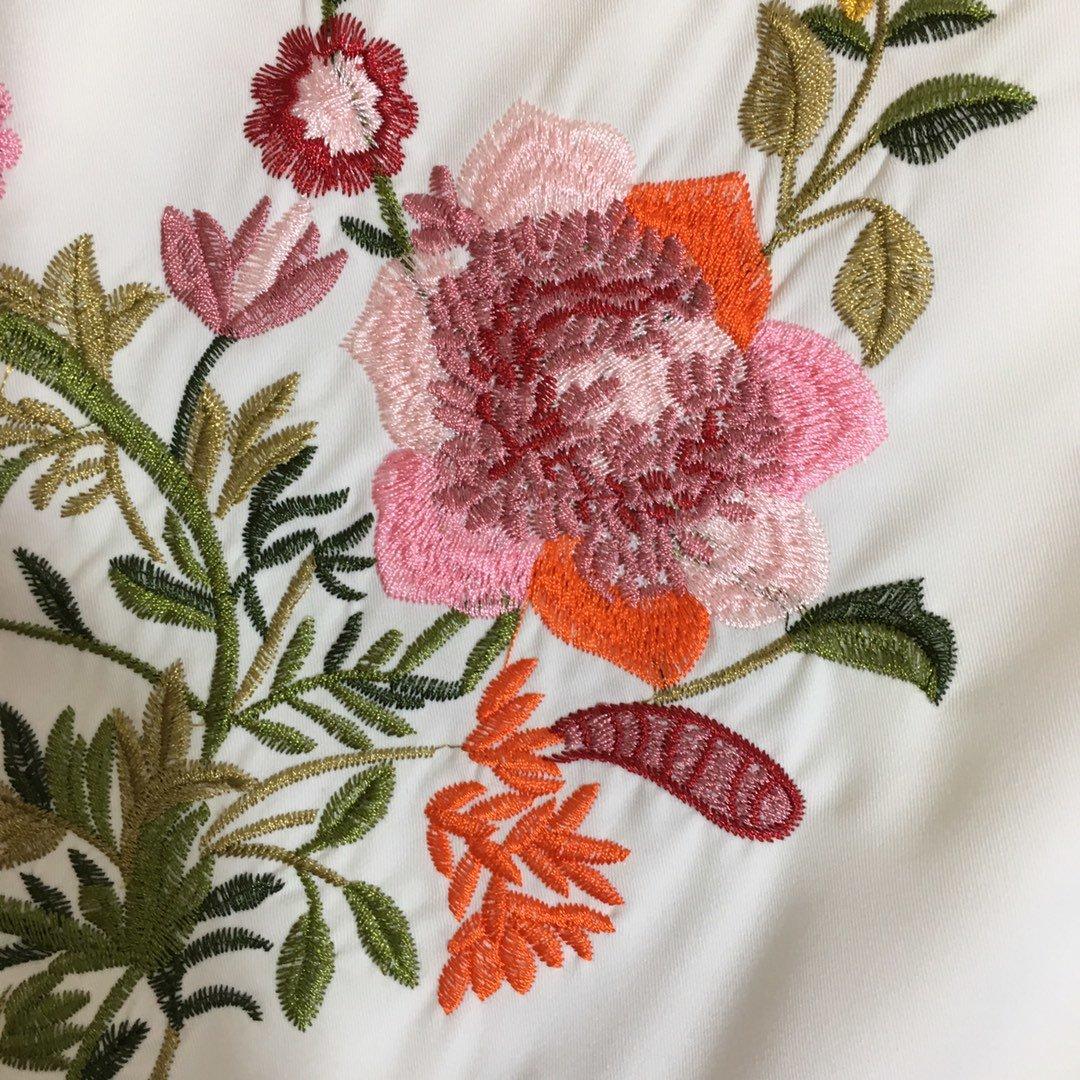 DG新款重工花朵刺绣双V领荷叶摆无袖