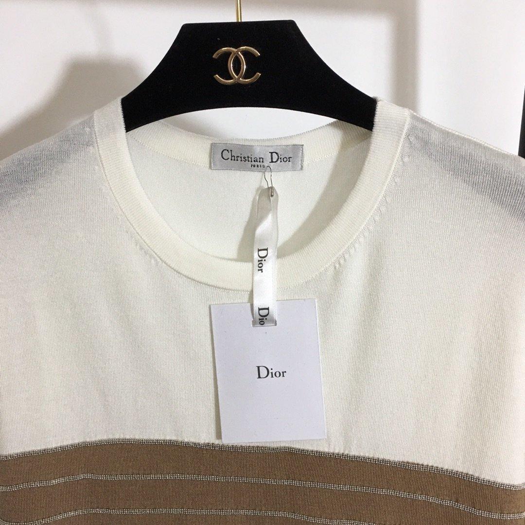 Dior新款串珠链条撞色条纹圆领短袖