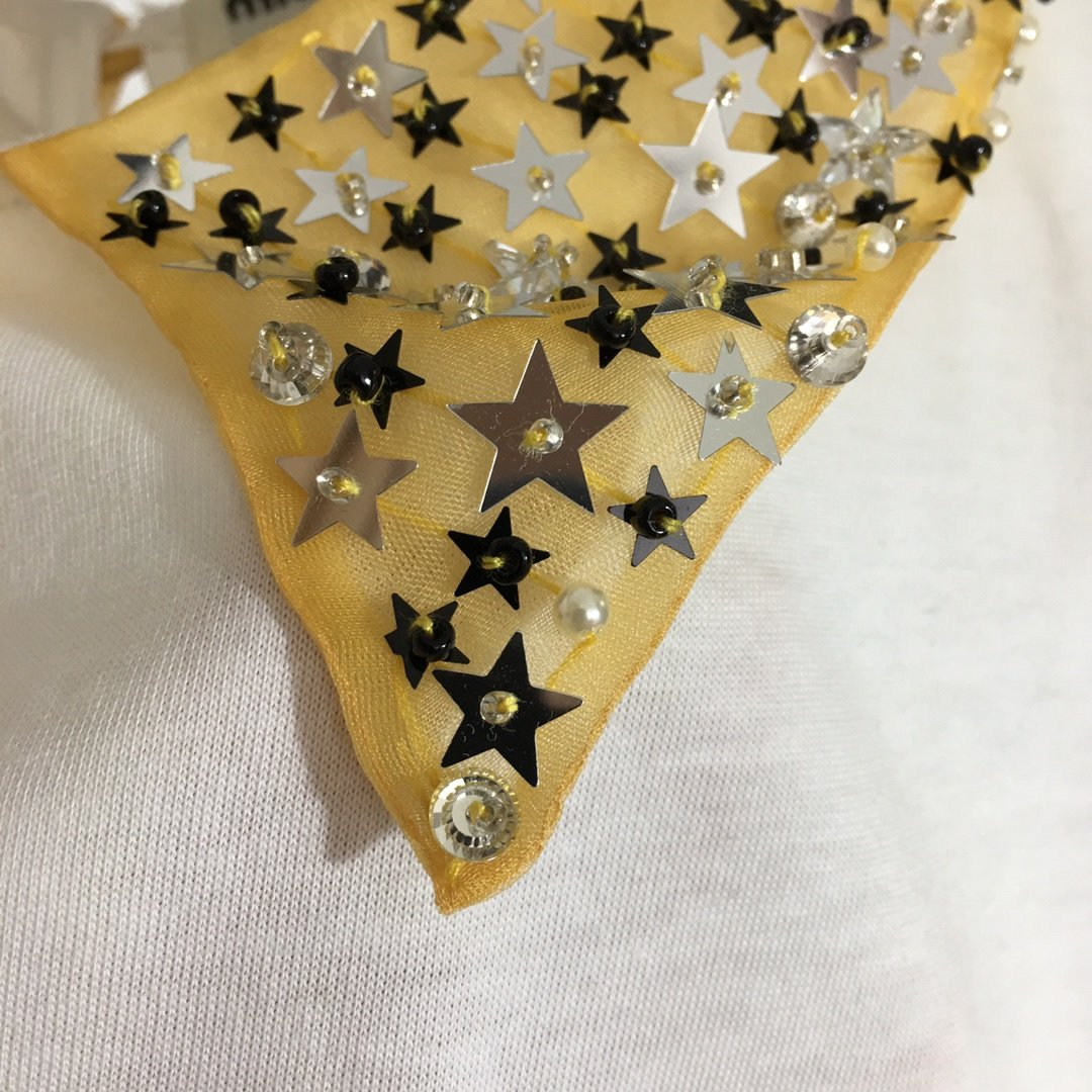 miumiu.新款五角星星亮片钉珠翻