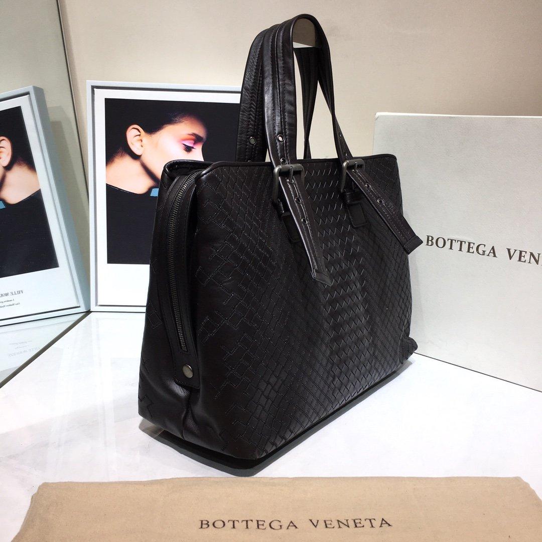 Bottega Veneta宝提嘉新款BV购物袋(图2)