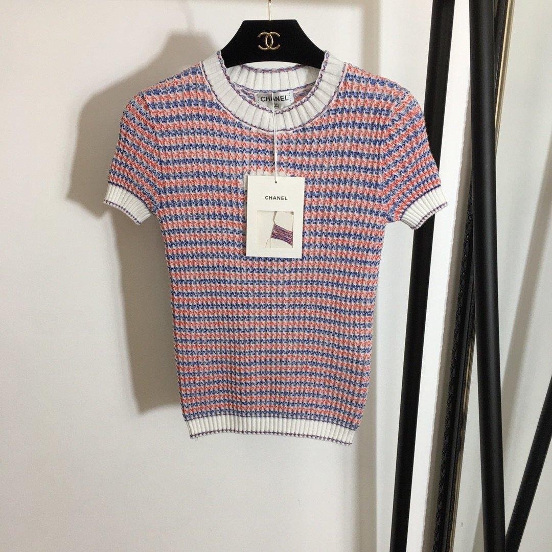 Chanel新款高版本撞色条纹圆领短