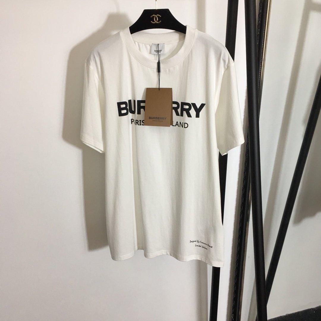 Burberry新款米奇字母印花时尚