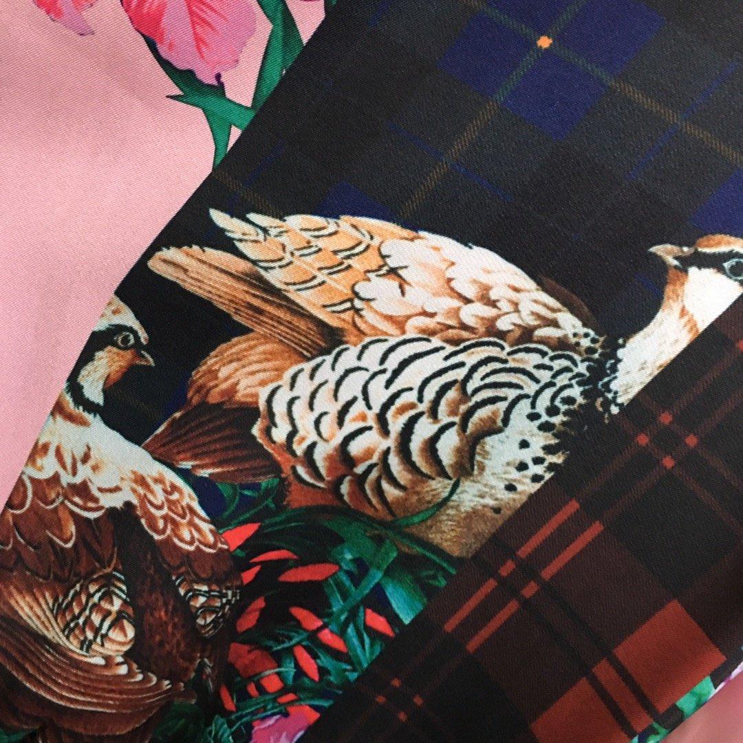 Gucci新款孔雀印花圆领长袖T恤上