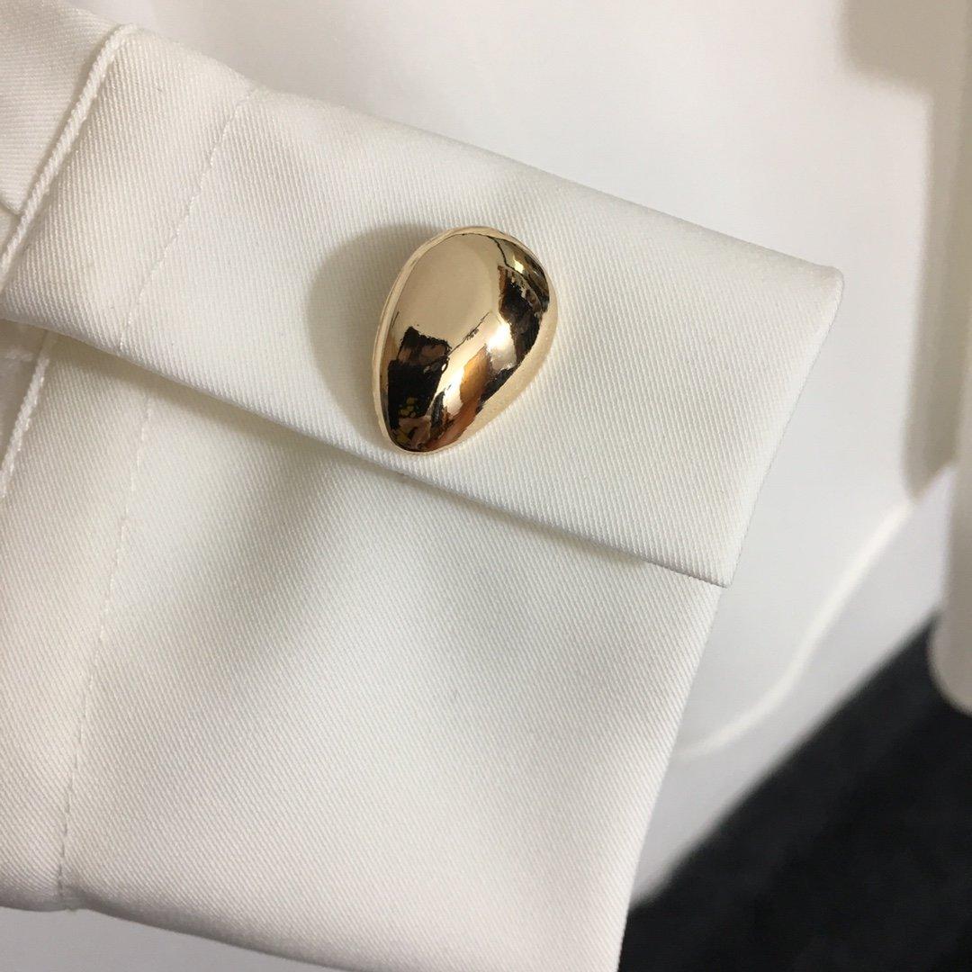 BV新款金属环扣别针不规则拧绕领口褶