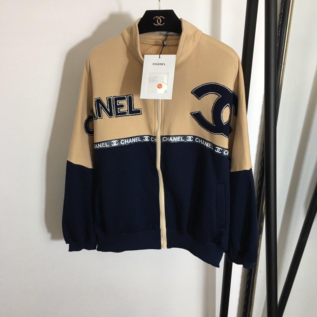 Chanel新款小香刺绣logo拼色