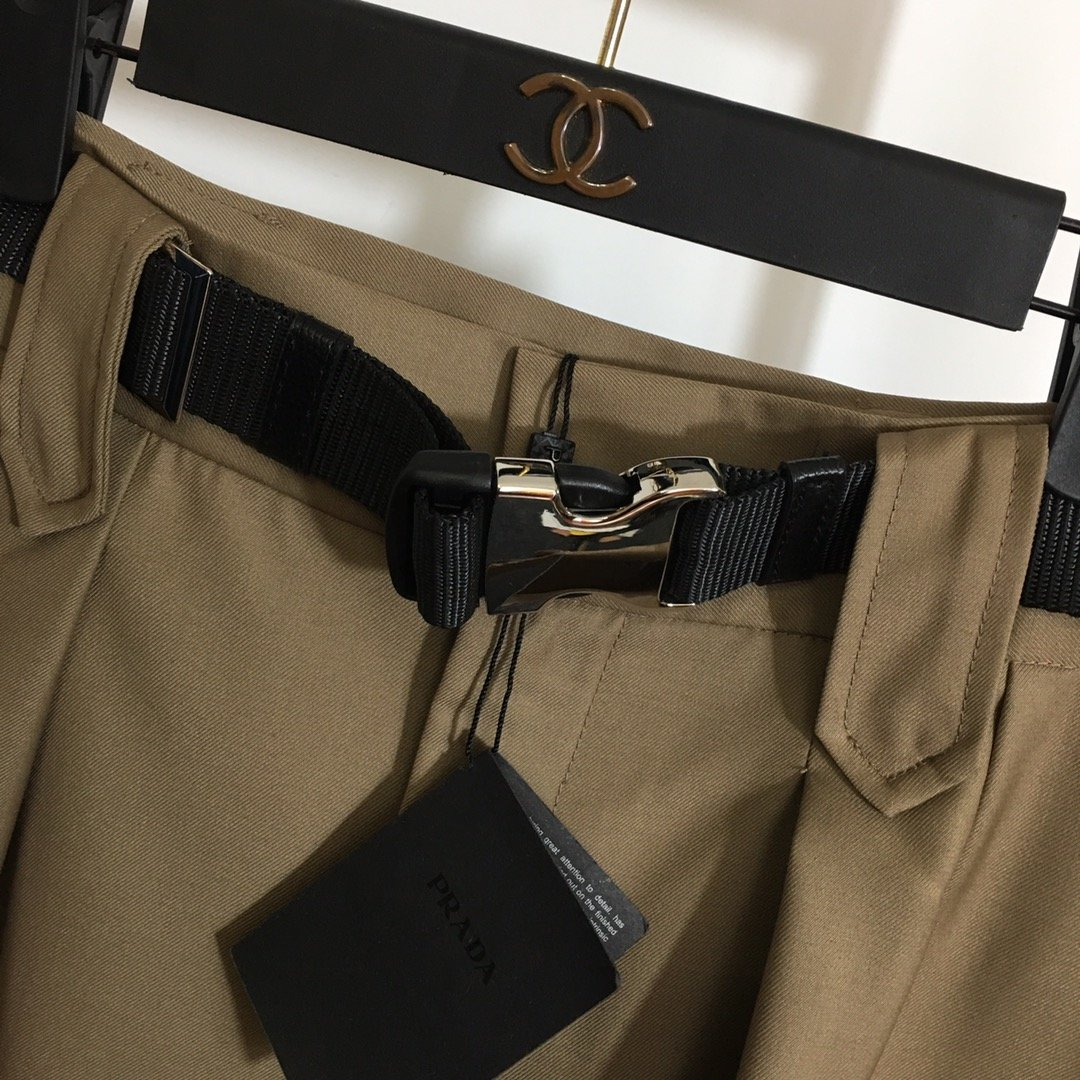 Prada新款logo三角标腰带收腰
