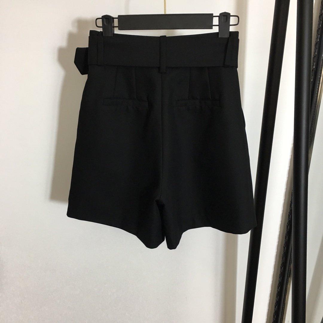 Dior新款高腰显瘦腰带收腰阔腿短裤