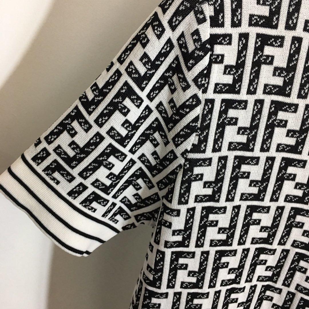 Fendi新款双F字母提花圆领短袖针