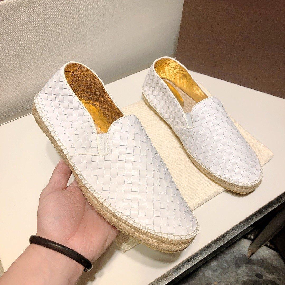 年春款BV渔夫鞋独特设计惊艳全场!原