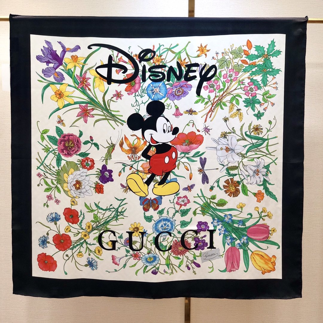 2020早春Gucci Odisney迪士尼米奇印花真丝围巾(图9)