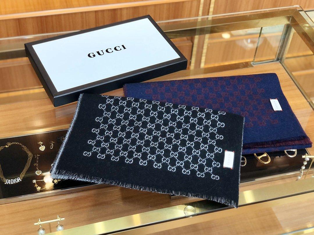 Gucci男士羊毛围巾双面可用菱形印花图案 (图1)