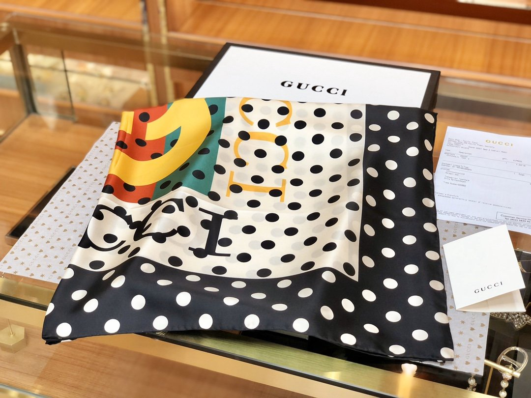 海外原单Gucci丝巾 100%真丝 (图3)