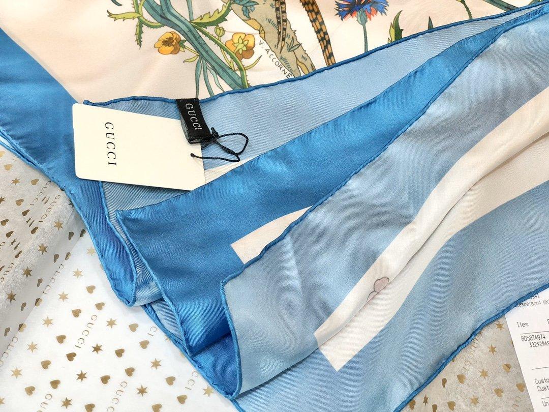 Gucci X Disneyp限量联名系列米奇老鼠斜纹真丝方巾(图3)