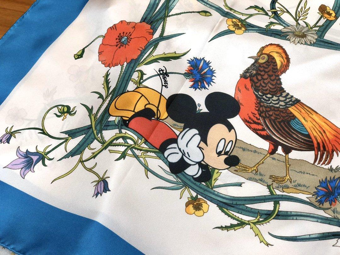 Gucci X Disneyp限量联名系列米奇老鼠斜纹真丝方巾(图5)
