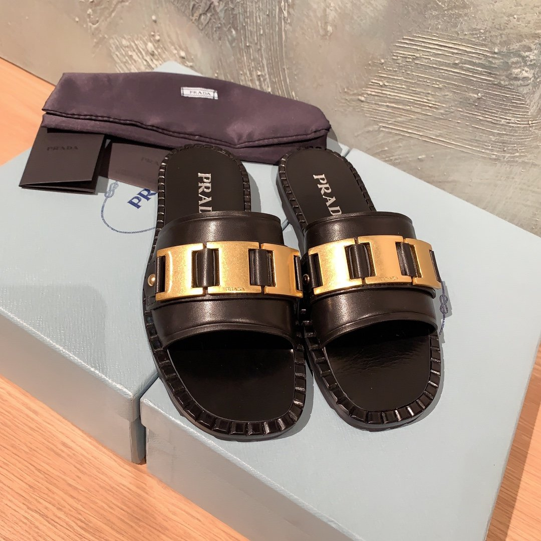 Prada代购品质 2020早春新款复古编织镂空乐福拖鞋(图2)