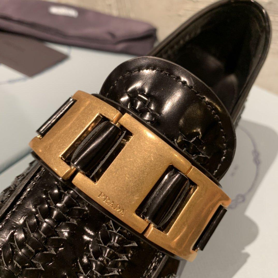 Prada代购品质 2020早春新款复古编织镂空乐福鞋(图7)